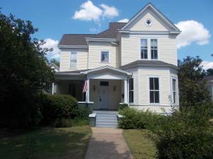 409 3rd Street South, Columbus, MS 39701