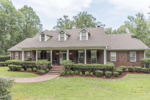 141 Sagamore Cir, Columbus, MS 39705