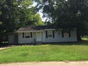 216 Robinwood Cir, Columbus, MS 39702