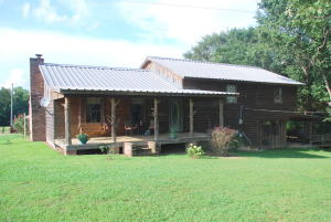1375 Dora Rd, Brooksville, MS 39739