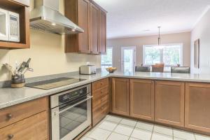 27 - Kitchen View 2