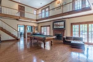 20 game banquet room and stairs