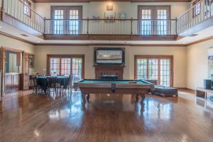 21 game banquet room
