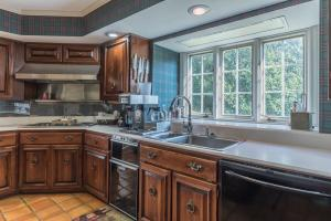 25 kitchen cooktop and coffee center