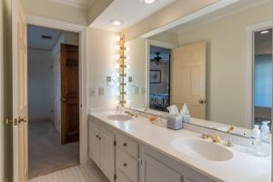 38 bath 2 vanity
