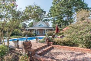 41 brick patio pool and guest house