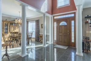 05-foyer entrance