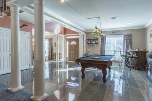 06-living room-foyer