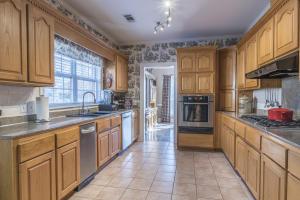 18-kitchen c