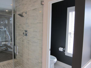 Master Bathroom (6)