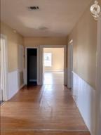 924 8th st s-Entry way and hall