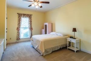 11 Bedroom 3