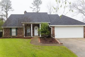 209 Willow Bend Dr, Starkville, MS 39759