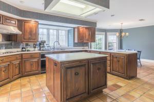 26-kitchen b