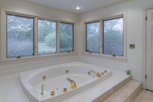 36-master bath c