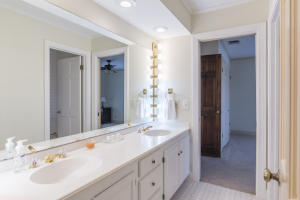41-bathroom 4a