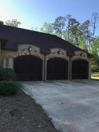 3 Garage Stalls
