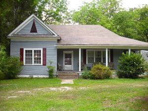 549 Oak St, Shuqualak, MS 39361
