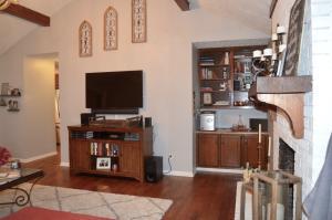Living Room- Built Ins