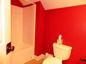 14C Upstairs Bathroom