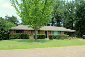 907 Hemlock St, Columbus, MS 39702