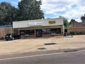 1922 Main St, Columbus, MS 39701