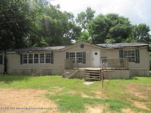610 Magnolia St, Charleston, MS 38921