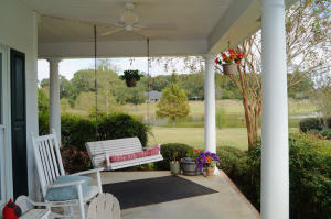 08-front porch b