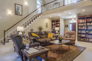 10-living room a