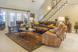 13-living room d