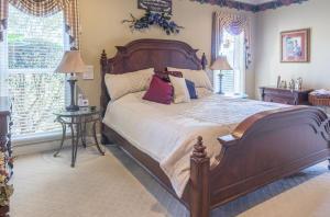 29-master bedroom a