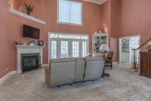 9-living room b