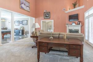 10-living room c
