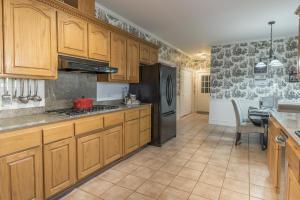 17-kitchen b