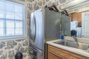 37-laundry room