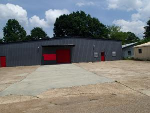 208 Conway Dr, Columbus, MS 39702