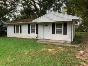 302 Wood Ave, West Point, MS 39773