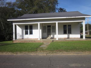 347 Grove Street, West Point, MS 39773