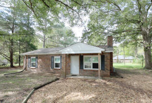205 Lowry Circle, West Point, MS 39773