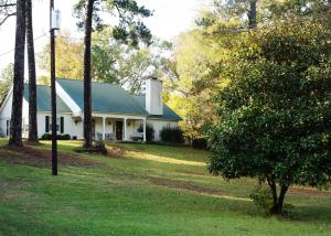 715 Old West Point Road, Starkville, MS 39759