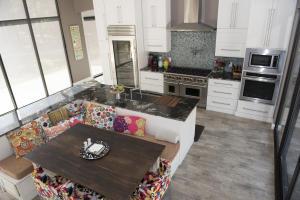66 Poolhouse Kitchen