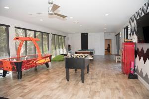 67 Poolhouse Flexspace