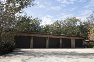 76 Poolhouse Garage