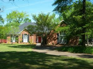 95 Lawrence St, Caledonia, MS 39740
