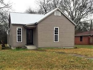 515 Grove St, West Point, MS 39773