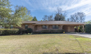 292 W Gould Ave, Eupora, MS 39744