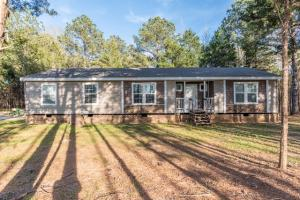 328 Curtis Chapel Rd, Starkville, MS 39759