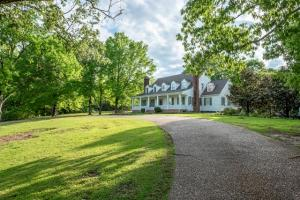 192 Wood Ridge Rd, Starkville, MS 39759