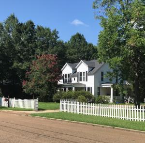 146 Calhoun St, West Point, MS 39773