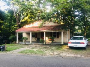 24 S Division St, West Point, MS 39773